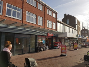 IJmuiden, Marktplein 29; verhuur. Te huur is max. 500 m2 op centrale locatie, ook pop-up.